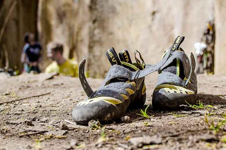 des chaussons d'escalades tous terrains